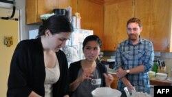نسل اول مهاجران آمریکا، مدرسان مدرسه «آشپزخانه فرهنگ»