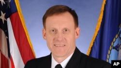 美国国家安全局(NSA)局长兼网络司令部司令迈克尔•罗杰斯海军上将(资料照)