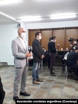 Periodistas argentino cubriendo la pandemia de coronavirus en Buenos Aires.