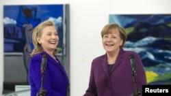 Hillari Klinton və Angela Merkel