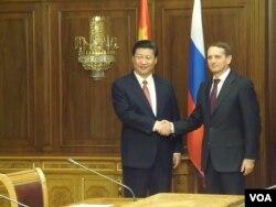 习近平3年前(2013年3月)在俄罗斯国家杜马会晤议长纳雷什金。