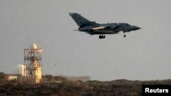 Britanski lovac tipa Tornado sleće u bazu te zemlje na Kipru