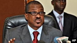 Senegalese Foreign Minister Madicke Niang gives a press conference at the foreign ministry in Dakar (file photo - January 4, 2011)