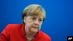 德国总理默克尔18号在基督教民主联盟结盟党总部开会
