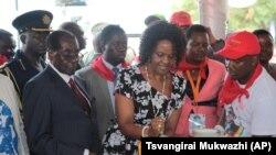 Zimbabwe Mugabe Birthday - First Lady Cuts Cake