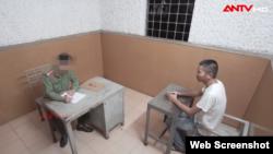 Cơ quan An ninh Điều tra lấy lời khai ông Hà Văn Thành. Photo ANTV