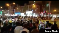 伊朗霍拉姆沙赫尔的民众抗议示威