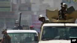 也門安全部隊向數萬名要求總統薩利赫下台的抗議者開槍