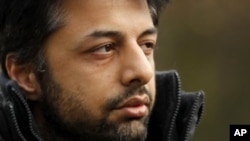 Shrien Dewani, the British man accused of having his wife murdered during their honeymoon in South Africa, as he arrives at Belmarsh Magistrates' Court in London (File Photo)