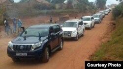 Magari ya ubalozi wa EU na marekani yakielekea nyumbani kwa Besigye