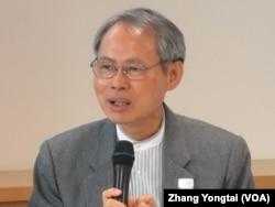 台灣國家政策研究院資深顧問蘇進強 (美國之音張永泰拍攝)