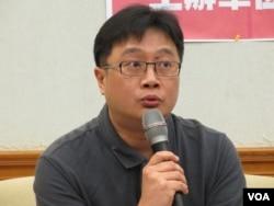 台湾人权促进会执委吴豪人(美国之音张永泰拍摄)