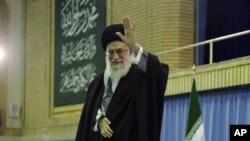 هوشدار رهبر روحانی ایران