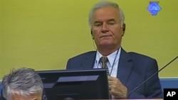 Bivši komandant Vojske Republike Srpske Ratko Mladić u sudnici Haškog tribunala