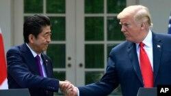 Rais Donald Trump na Waziri Mkuu wa Japan, Shinzo Abe huko White House