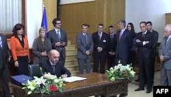 Kosovë: Partitë zotohen për një proces demokratik zgjedhor