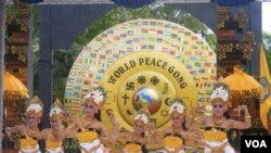 Upacara penobatan Bali sebagai Pulau Perdamaian yang dilakukan di Nusa Dua (27/12).
