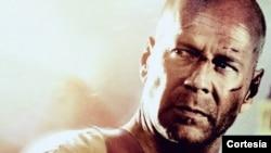 Los estudios Twentieth Century Fox festejaron por lo alto los 25 años y develaron un mural del héroe de las películas, John McClane.