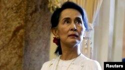 아웅산 수치 미얀마 국가자문역 겸 외무장관이 지난달 베트남 하노이에서 열린 세계경제포럼의 아세안 지역회의에 참석했다.