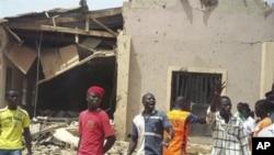 Nhà thờ ở Bauchi bị hư hại sau khi bị tấn công bằng xe bom tự sát hôm 3/6/12