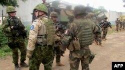 Pasukan penjaga perdamaian Uni Eropa melakukan patroli di Bangui, Afrika Tengah (foto: dok).