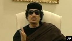 利比亚领导人卡扎菲在的黎波里(资料照片)