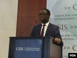 美负责国际经济的副国家安全顾问阿德耶莫(美国之音莉雅拍摄)