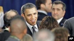 奥巴马总统2月22号在俄亥俄州与支持者在一起