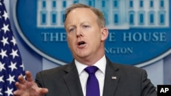 White House press secretary Sean Spicer speaks during the daily news briefing at the White House in Washington, Feb. 7, 2017.
