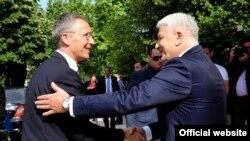 Generalni sekretar NATO-a Jens Stoltenberg i potpredsednik Vlade Crne Gore Duško Marković uoči susreta u Podgorici (gov.me)