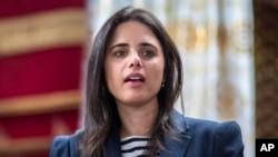La ministra de Justicia de Israel Ayelet Shaked ha expresado que el presidente de EE.UU., Donald Trump, pierde el tiempo en tratar un acuerdo de paz con los palestinos.