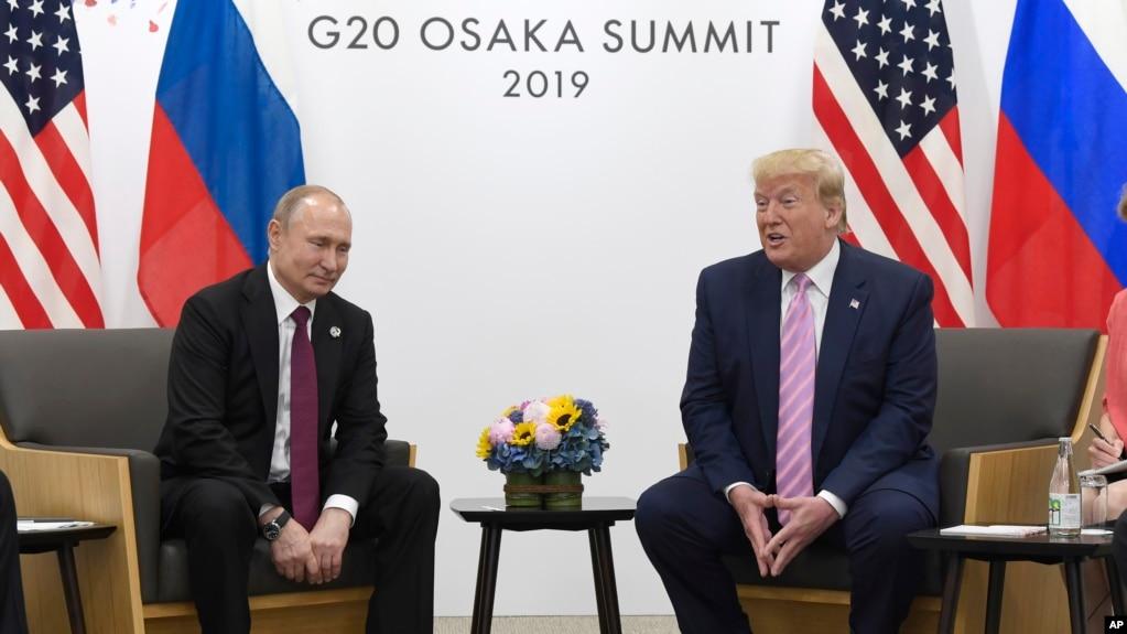 Tổng thống Mỹ Donald Trump và Tổng thống Nga Vladimir Putin tại cuộc họp song phương bên lề Hội nghị Thượng đỉnh G20 ở Osaka, Nhật Bản, ngày 28/6/2019.