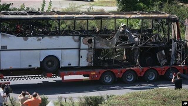 Quả bom đã phát nổ trên một chiếc xe buýt chở du khách từ một phi trường gần Burgas hồi tháng 7 năm 2012, giết chết 5 người Israel và một người tài xế Bulgaria. Hai người khác bị thương nặng.