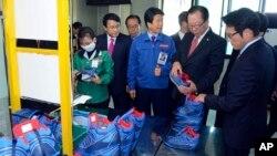 지난 30일 한국 국회 외통위 의원들이 개성공단을 현지 시찰하고 있다.