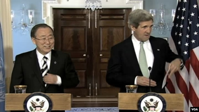 U.S. Secretary of State John Kerry (r), and UN Secretary General Ban Ki-moon, at joint news conference in Washingtom, Feb 14, 2013.