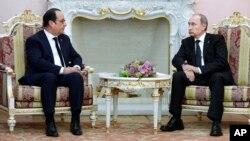 Rossiya va Fransiya rahbarlari - Vladimir Putin va Fransua Olland, Yerevan, 24-aprel, 2015-yil