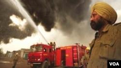 Kebakaran pabrik kembang api di Sivakasi, negara bagian Tamil Nadu, India selatan menewaskan paling sedikit 39 orang.