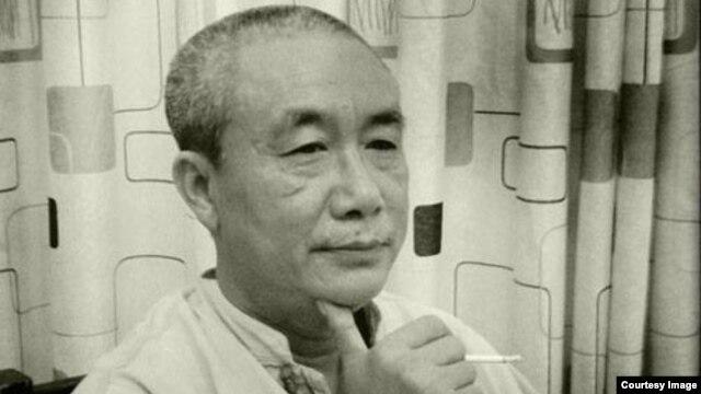Nhà văn Nguyễn Quang Lập, chủ trang blog Quê Choa, bị bắt tại nhà riêng ở TP HCM hôm 6/12/2014.