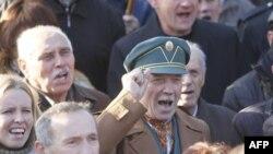 Недовольные правительством жители Украины