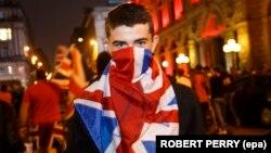 Một người bỏ phiếu không rời EU biểu tình ở Scotland hôm 25/6.
