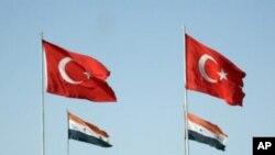 ترکیه: له سوریې سره خبرې بې ګټي دي
