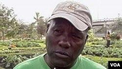 Una buena parte de lo que se cosecha en el huerto de Marvin Dunn es regalado a personas pobres.