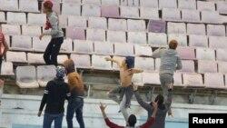 Des échauffourées à la fin du match amical entre le PSG et le Club africain de Tunis au stade de Radès, Tunisie, le 4 janvier 2017.