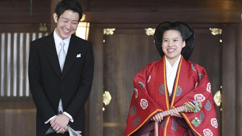 Công chúa Ayako và phu quân Kei Moriya.