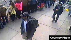 FBI公佈的波士頓爆炸案嫌疑人照片(FBI)