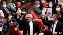 Parlementerê HDPÊ Omer Farûk Gergerlioglu
