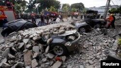 15일 필리핀 중부에서 강력한 지진으로 수십명의 사망자가 발생했다.
