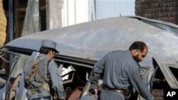 আফগানিস্তানে রাস্তার পাশে পাতা বোমায় অন্তত চারজন পুলিশ কর্মকর্তা নিহত হয়েছেন