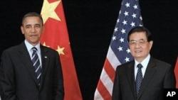 美国总统奥巴马与中国国家主席胡锦涛会晤(资料照片)