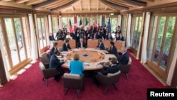 Leaders from the Group of Seven (G7) industrial nations met on Sunday in the Bavarian Alps for a summit overshadowed by Greece's debt crisis and ongoing violence in Ukraine. REUTERS/Peter Kneffel
